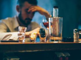 冰毒成瘾和酒精成瘾之间的关系