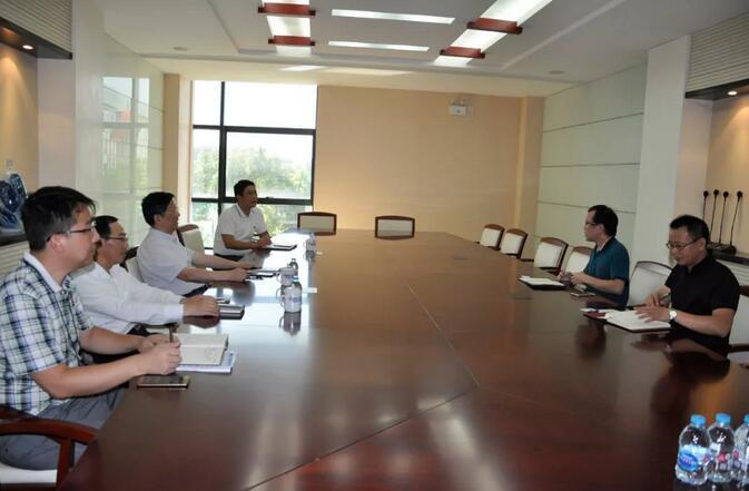上海国际医学园区领导莅临凯创生物调研